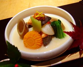 塩鮭と根菜の豆乳仕立て